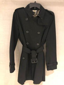 Brand New Burberry Kensington Mid Trench