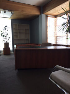 Bureaux, logements ou  chambres ... Offices, apartments or rooms