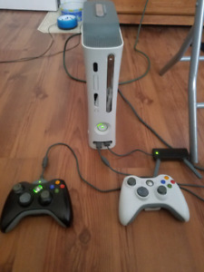 XBOX 360 Console 60 GB HDD/ Network adapter / 12 Games / Control