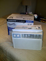 Air Conditioners / Climatiseurs Forest Air 5200 BTU (X 2)