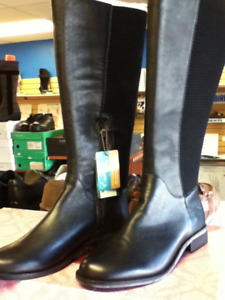 Ladies Riding or winter Boot size 7