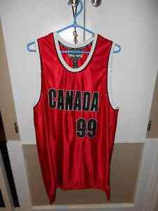 Canada Basketball Jersey - Size Adult M