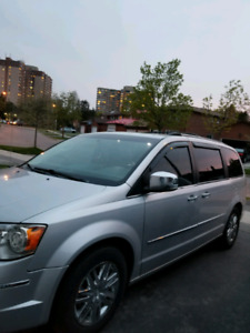 Chrysler town contry