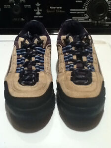 Men's WindRiver Hiking Shoes Size 7 London Ontario image 2