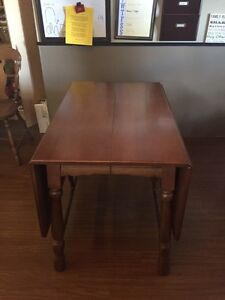 Dining table with 2 chairs + extension  London Ontario image 2