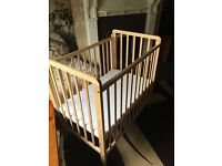Space saver cot/crib
