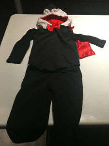 .LIKE NEW!Carters Halloween Costume Dracula 18 Months 3 Pieces