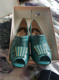 Vintage womens Ted Baker size 4 shoes