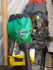 Weed eater gas wacker with full can of gas