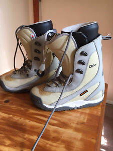 Women's Burton DRIVER Snowboard Boots $95