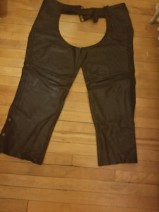 Womens screaming eagle leather chaps xxl
