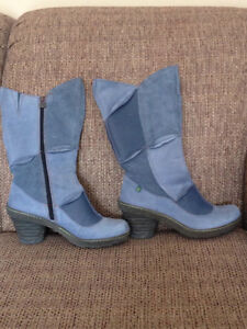 El Naturalista Leather Boots