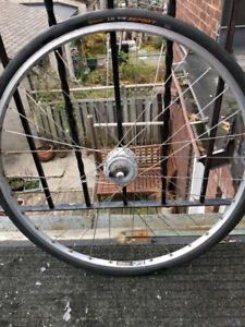 700c bicycle front wheel with generator hub