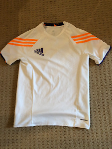 Adidas. Predator Soccer t-shirt. Youth L.