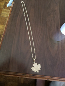 10k gold chain an pendant