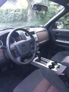 Like new 2008 Ford Escape Xlt low km North Shore Greater Vancouver Area image 6