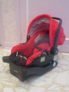 SIEGE AUTO pour BEBE - SAFETY 1ST rouge