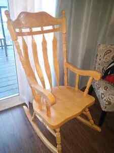 Wooden Rocking  Chair Needs to be Refurbish