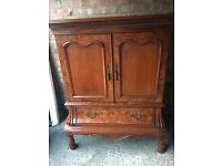 ANTIQUE CHEST DRINKS CABINET TV TABLE FREE DELIVERY
