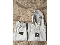 STONE ISLAND TRACKSUIT SET. Top and bottoms