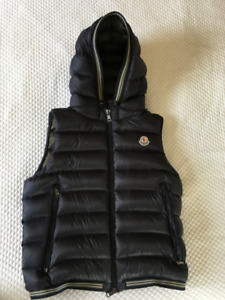 Moncler: Beautiful Navy Hooded Down Vest - Fits size 40