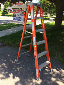 Louisville Fiberglass 6' Step Ladder.
