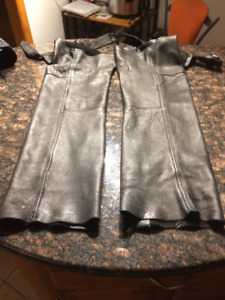 Motorcycle Black Leather Chaps Made in the USA Size Large Jacket