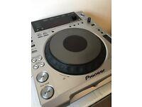 Pioneer CDJ 850 Silver
