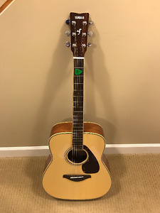 Yamaha FG720S Acoustic Guitar & Case + Accessories - Nearly New