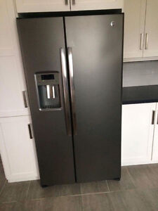 New double door fridge and matching stove for sale