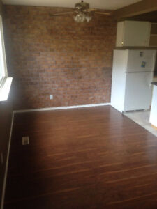 SPACIOUS 3 BEDROOM TOWNHOME FOR RENT
