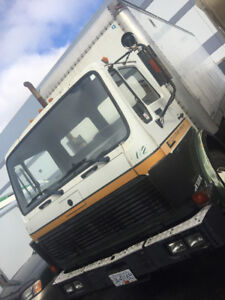 1987 Mercedes 1525 Cabover/24Ft Box/Rail Gate