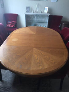 Solid Oak round table with insert.