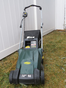 "YardWorks Lawnmower 9a 14"" with bag"