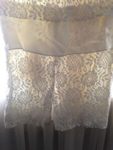 3 beautiful dress in excellent condition London Ontario image 9