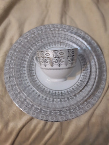 Set dishes for 6 and serving set 39 pieces