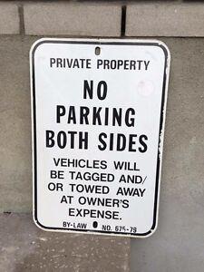 (8) Enseignes Vintage Signs No Parking No Smoking No Dogs