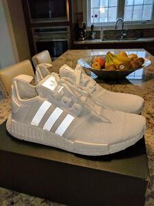 DS Adidas NMD R1 Triple White