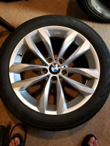 Bmw 5 series F10 18 inch OEM rims and run flat all seaosn tires