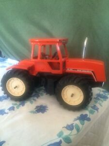Custom Allis-Chalmers 4W-220 toy