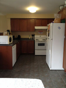 What a Deal! 5 mins from Niagara College, with Cleaning incl'd