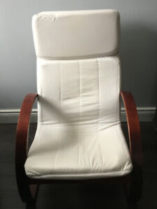 2 comfortable lounge chairs