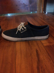 Tommy hilfiger shoes size 8