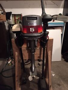 5 HP GAS MOTOR + 2 TROLLING MOTORS *Great Condition