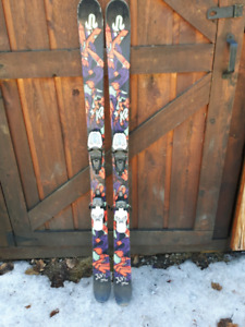 TWIN TIPS K2 JUVY SKIS 149cms MARKER BINDINGS