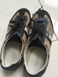 excellent condition lady Coach shoes for sale