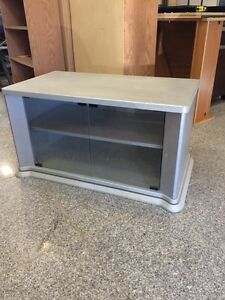 Tv stand IN LEDUC