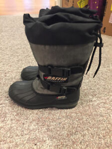 Ladies size 7 Baffin snowmobile boots
