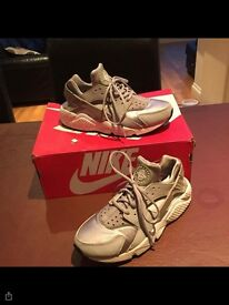 Woman's size 7 huarache shoes
