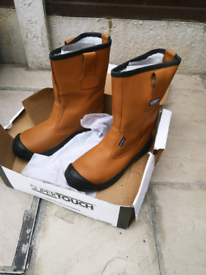 Size 9 Steel toe cap Rigger boots